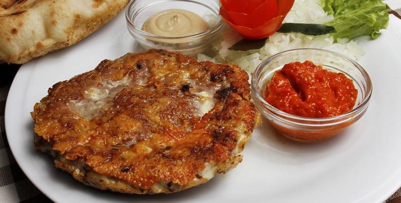Lungić u špeku, sarajevski ćevapi, punjena pljeskavica sa sirom, vratina i kruh