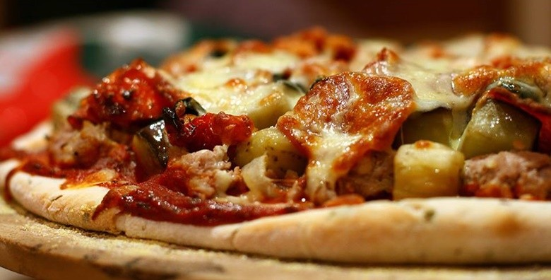 Jumbo pizza po izboru - slika 2