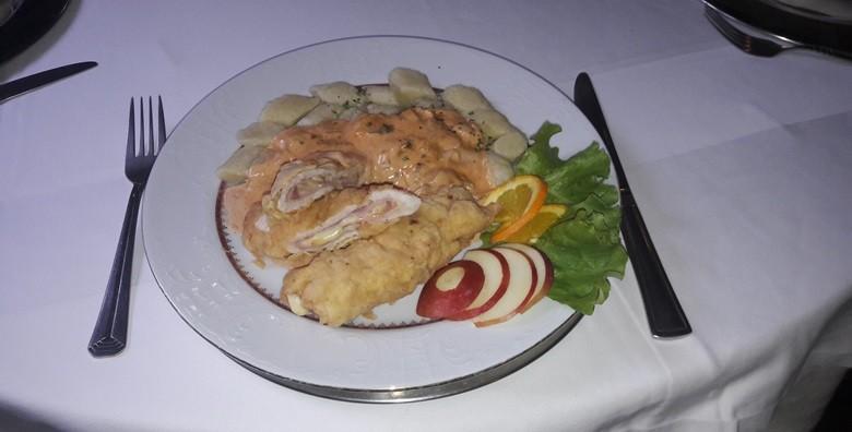 Zagrebački popečci, pileća ragu juha, njoki, salata i desert - slika 4