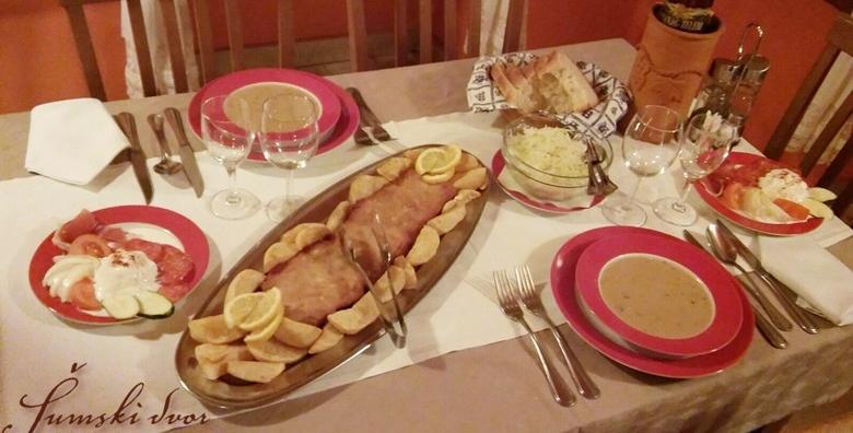 Zagrebački od pola metra, naresci, šumska juha, pekarski krumpir, salata i palačinke sa šumskim voćem za 2 osobe za 149 kn!