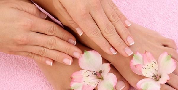 Manikura, lakiranje, pedikura, masaža, piling ruku i stopala - slika 4