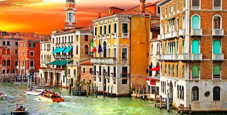 [VENECIJA I OTOCI LAGUNE] Doživite poznatu talijansku ljepoticu u ljetnom ruhu uz posjet Muranu i šarenom Buranu za 210 kn!