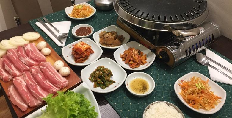 [KOREJSKA KUHINJA] Meni za dvoje po izboru - carsko meso i kimchi palačinka ili junetina u soja umaku i bulgogi rolice uz 5 priloga i umake za 99 kn!