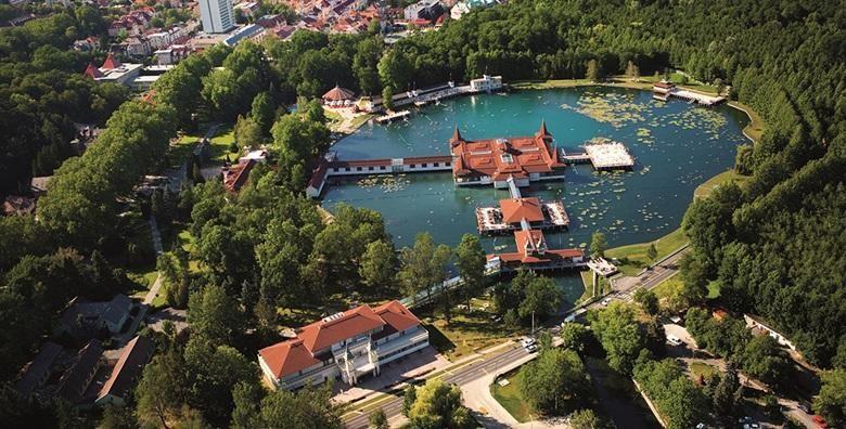 [MAĐARSKA] 3 wellness dana s polupansionom za dvoje u Villi Lira tik do termalnog jezera Hévíz - drugog najvećeg u svijetu za 1.118 kn!