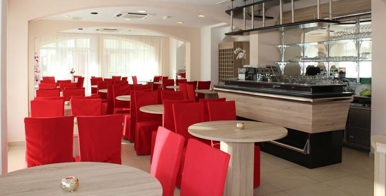 Vodice - 3 dana s doručkom za dvoje u Hotelu Stella Maris*** - slika 17