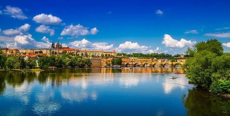 [PRAG] 3 dana s doručkom u Hotelu*** - upoznajte zabavnu atmosferu Zlatnog grada i posjetite Češki Krumlov, gradić pod zaštitom UNESCO -a od  709 kn!