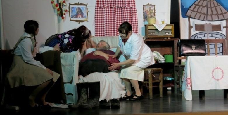 [PREDSTAVA] Humoristična izvedba o škrtom starcu koji se pretvara da je siromašan 3.6. u  20h u Hotelu Holiday za samo 25 kn!