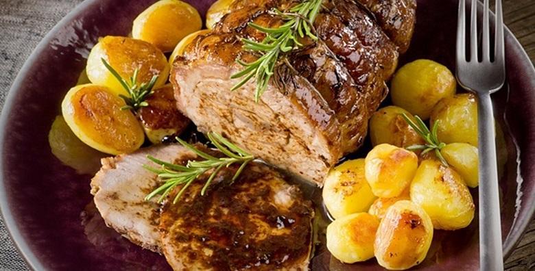 Teletina ispod peke s pekarskim krumpirom - meko, sočno meso probudit će u vama nostalgiju okusa za samo 39 kn!
