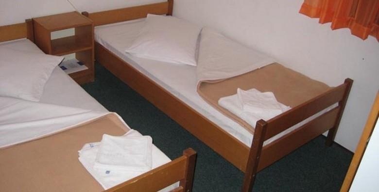 Hvar, Stari Grad - 8 dana za 2 - 4 osobe u bungalovima - slika 15