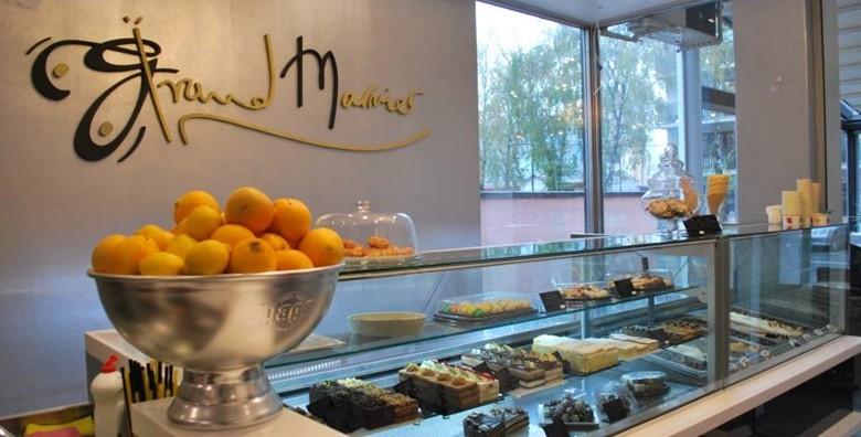 Velika torta po izboru - sacher, čokoladni ili bijeli mousse - slika 2