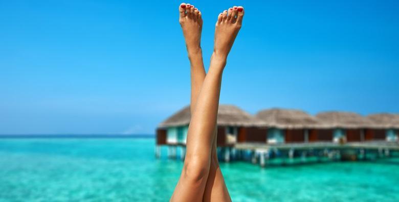 Depilacija cijelih nogu i bikini zone voskom ili šećernom pastom od 79 kn!