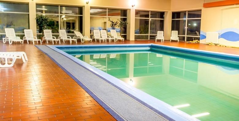 Vodice - 3 dana s polupansionom za dvoje i bazeni - slika 4