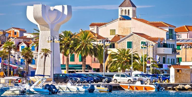 [VODICE] Ljetovanje u najzabavnijem gradu na jadranskoj obali - 6 dana za 4 osobe u apartmanu*** tik do mora za 1.995 kn!