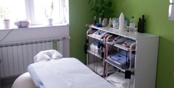 Medicinska pedikura, trajni lak i masaža stopala - slika 3