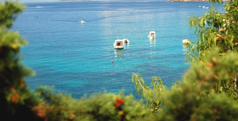[ČIOVO] 5 dana za 2 do 4 osobe uz neograničeno korištenje bazena u apartmanima Marko*** nedaleko od Trogira za 2.399 kn!