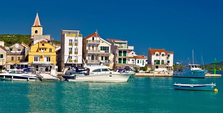 [PIROVAC] 6 ili 8 dana za dvoje u apartmanu*** - priuštite si opuštanje nadomak plaže u mjestu s najtoplijim morem na Jadranu od 999 kn!