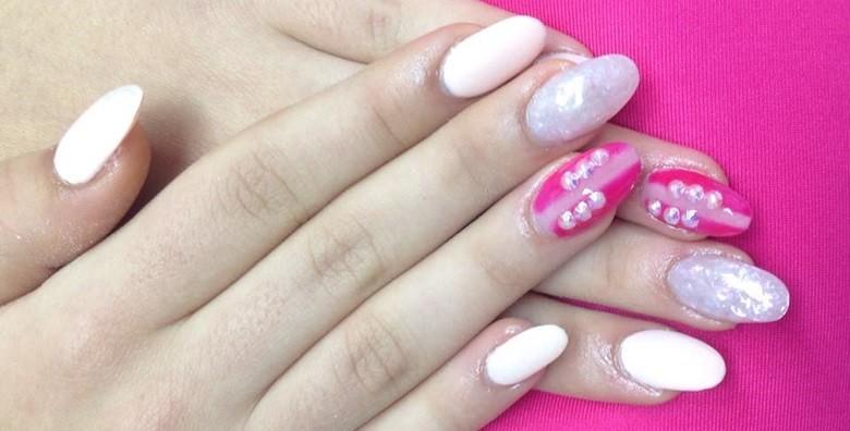 Ugradnja noktiju - gel, šablone ili tipse po izboru - slika 11