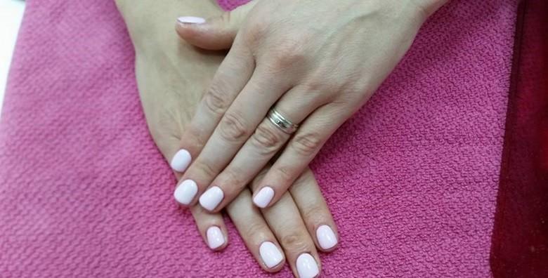 Ugradnja noktiju - gel, šablone ili tipse po izboru - slika 8