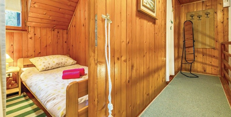 Gorski Kotar - 3 dana u autohtonoj drvenoj kući*** - slika 4