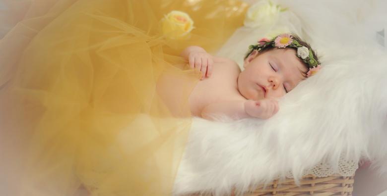 Profesionalno fotografiranje novorođenčadi i beba do 3 mj