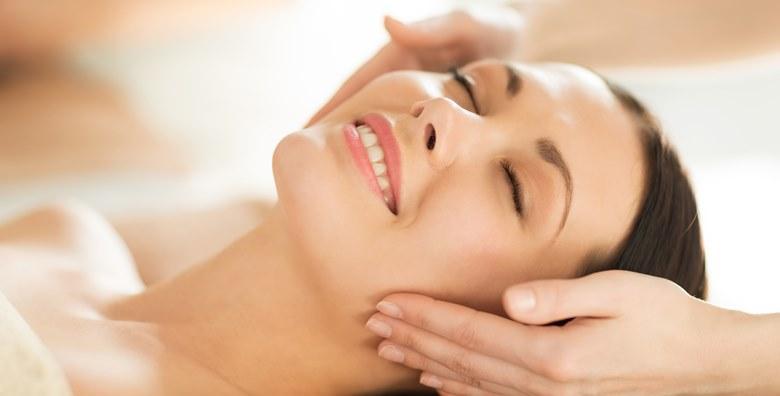Klasično čišćenje lica sa masažom glave i lica uz mehaničko čišćenje, piling, masku, hidratantnu kremu i gratis ampulu hijalurona za 99 kn!