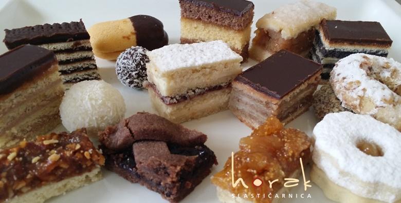 [BOŽIĆNI KOLAČI] 1kg preukusnih miješanih slastica - počastite se raznolikim kremastim i tradicionalnim kolačima iz Slastičarnice Horak za samo 78 kn!