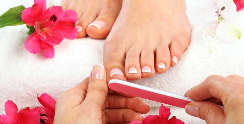 Pedikura, lakiranje, masaža stopala + solarij (10 min)