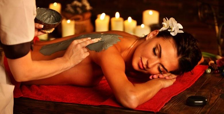 Tretman leđa s kajenskim paprom, masaža i piling