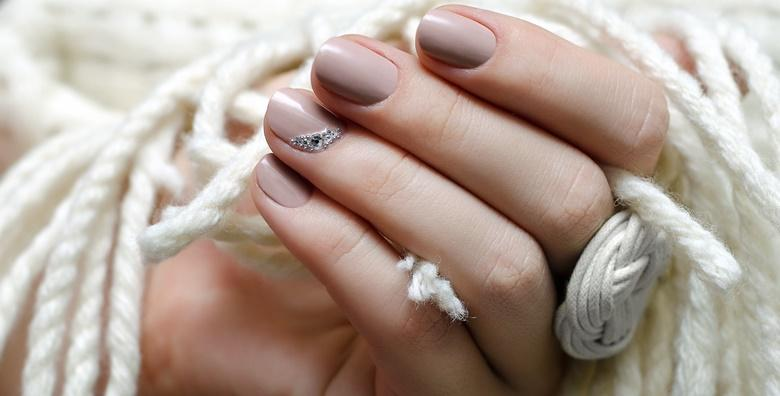 Dipping nails - najnovija HIT manikura!