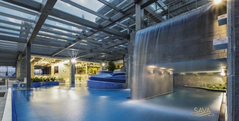 [WELLNESS NA BLEDU] 3 dana s polupansionom za dvoje u Hotelu Savica Garni**** tik do jezera uz kupanje u termalnim bazenima za 1.513 kn!