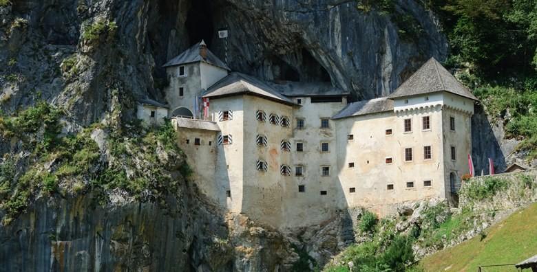 Postojnska jama i Ljubljana - otkrijte podzemni svijet poznate spilje i posjetite Predjamski dvorac uz uključen prijevoz za 155 kn!