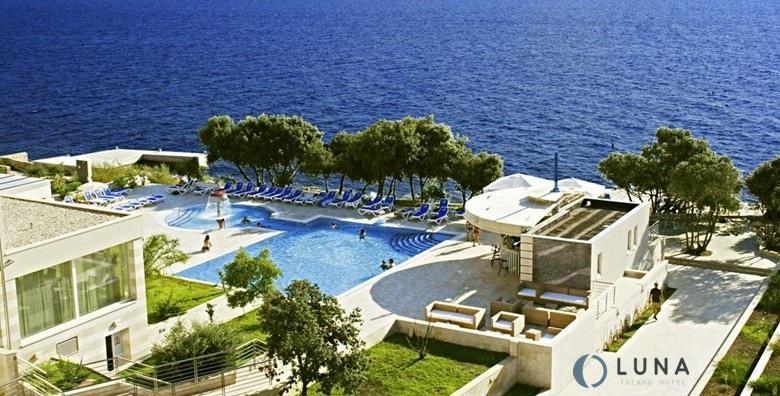 [PAG] Luksuzno opuštanje u La Luna Island Hotelu**** - 3 dana s doručkom za dvoje uz neograničeno korištenje bazena, sauna i fitnessa za 877 kn!