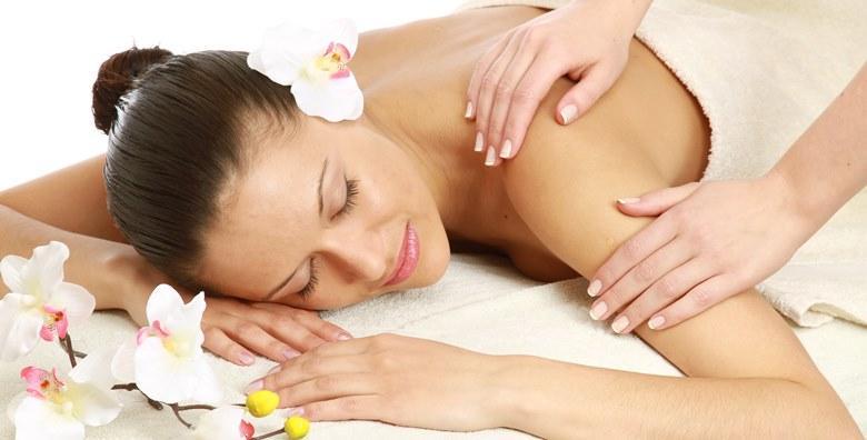 Masaža leđa, tijela ili refleksoterapija