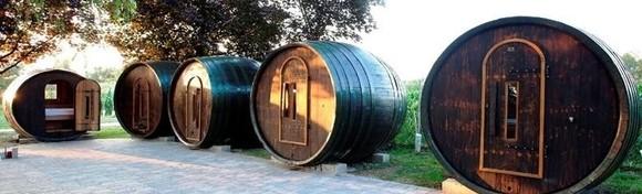 [GLAMPING] HIT kampiranje u vinskim bačvama s polupansionom uz korištenje bazena, sauna i uživanje u termalnoj kupki za 954 kn!