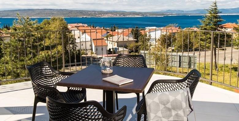 [SELCE] 2 ili 3 dana s doručkom za dvoje u luksuznim sobama Pansiona Preza**** - prepustite se zasluženom odmoru u ŠPICI SEZONE od 599 kn!
