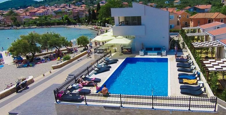 [UGLJAN] 2 dana s polupansionom za dvoje u luksuznim apartmanima Vile Dalmacija**** uz korištenje bazena - EKSKLUZIVNO na Ponudi Dana za 599 kn!