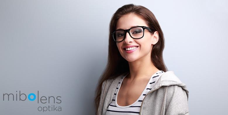Dioptrijske naočale s okvirima i staklom