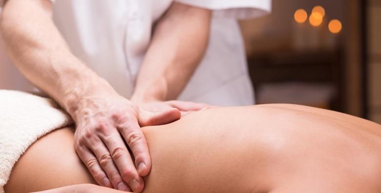 Medicinska masaža i tretman kralježnice ili kinesio taping