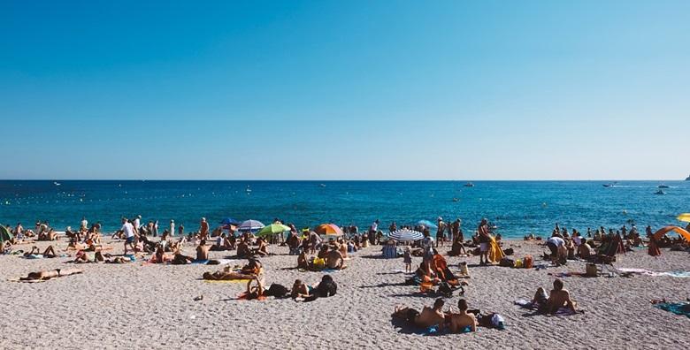 [BIOGRAD NA MORU] 4 dana s polupansionom za dvoje - guštajte na šljunčanim i pješčanim plažama u samoj ŠPICI SEZONE od 1.399 kn!