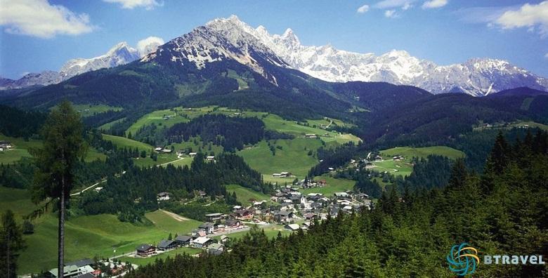 [AUSTRIJA] Otkrijte čari ljeta na planini! 4 wellness dana s polupansionom za dvoje u hotelu****  uz korištenje bazena i saune za 1.895 kn!