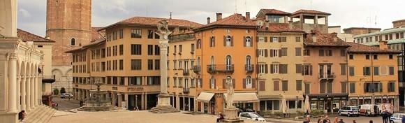 [ITALIJA] Uživajte u jesenskom ozračju prekrasnog gradića Venzone poznatog po tradicionalnoj Bundevijadi i počastite se u Palmanova Outletu za 199 kn!
