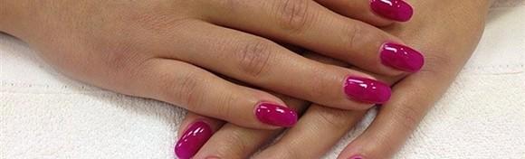 Trajni lak i manikura u salonu ljepote New Me - ukrasite nokte omiljenom jesenskom bojom i uživajte u njoj do čak 3 tjedna za samo 79 kn!