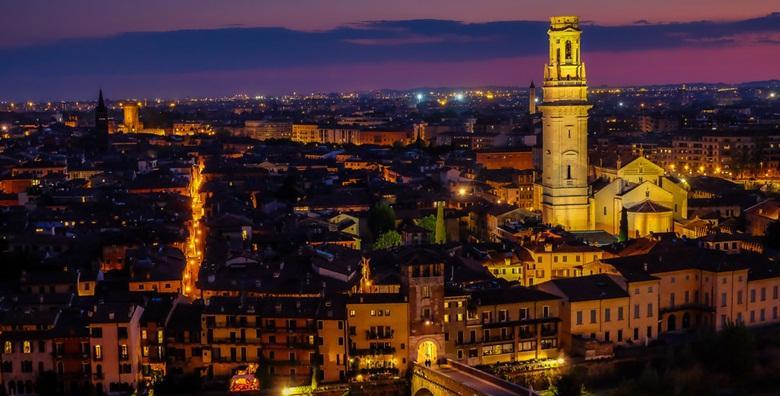 Advent u Veroni uz posjet božićnom selu Bussolengo - upoznajte grad Romea i Julije u blagdanskom ruhu i posjetite najveći božićni sajam u Italiji!
