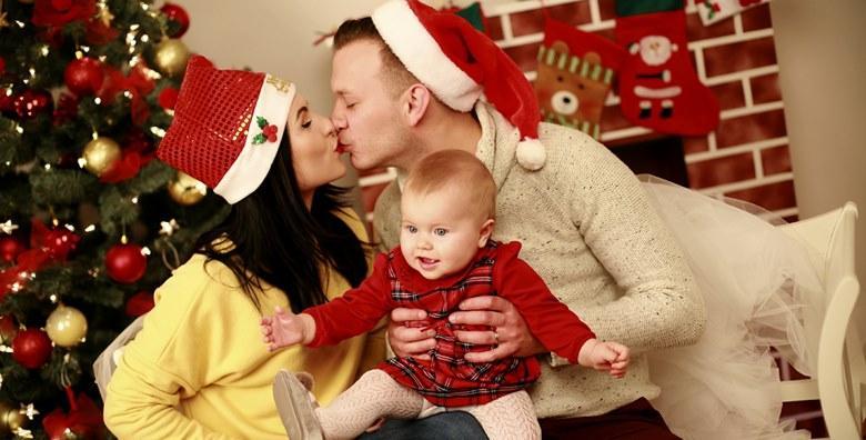 Božićno fotografiranje beba, djece, obitelji i trudnica u trajanju 1h za 280 kn!