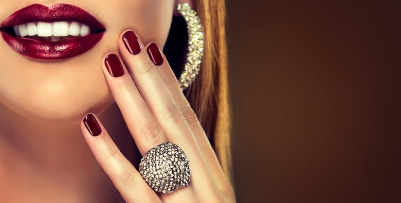 Trajni lak, ruska manikura i masaža ruku - priuštite si kraljevski tretman uz koji će vaši nokti sigurno zablistati za blagdane za samo 70 kn!