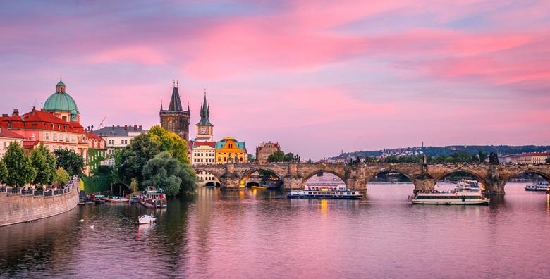 Valentinovo u Pragu - 3 dana s doručkom i prijevozom za 699 kn!