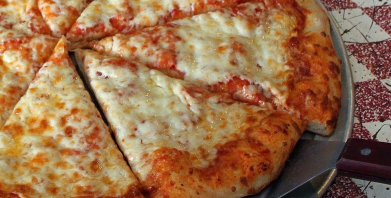 [PIZZA] Oduševili su vas sa svim ostalim, neka vas sada osvoje ovom klasičnom poslasticom - 2 velike pizze u The Movie pubu ili Texas grillu za 49 kn!