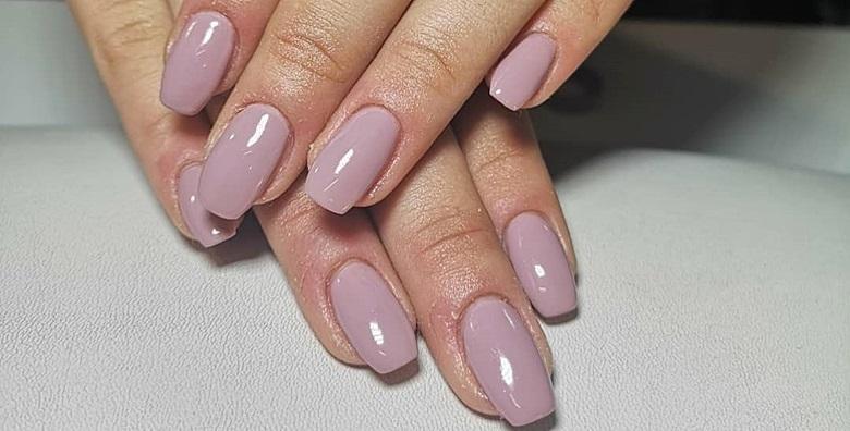 [TRAJNI LAK I MANIKURA] Ukrasite nokte jednom od 80 boja Juliana Nails lakova!