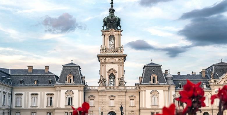 Razgledajte predivan mađarski dvorac Festetics uz posjet vinskim podrumima za 210 kn!