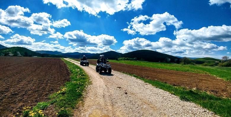 [QUAD AVANTURA] Vožnja dolinom Gacke u trajanju 3 sata za 2 osobe uz opremu, vodiča i robinzonski ručak za 349 kn!